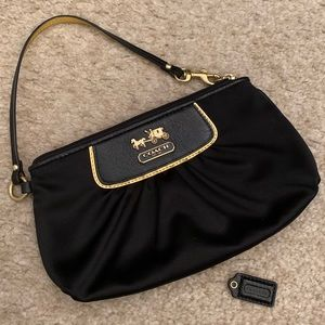 EUC Coach Clutch Black & Gold